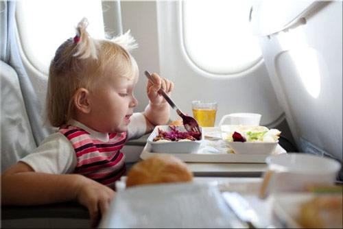 Keeping kids busy when traveling by plane