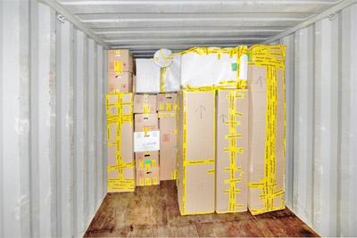 Cheap shipping companies from UK to Australia