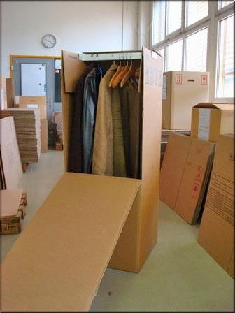 Wardrobe boxes for shipping clothes, suits, dresses