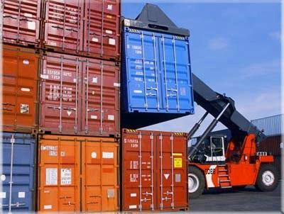 Advantages of using sea large sea freight forwarders